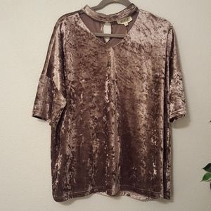 listicle crushed velvet top